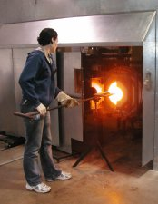 www.glassblower.info glassblowing photo at Corning Museum of Glass CMOG