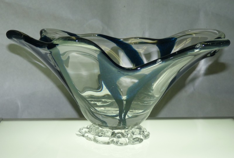 "Glassblower.Info - Combo Glassblowing Mold - ""V is for Victory"" - Blue Aventurine to Center Point - Front"
