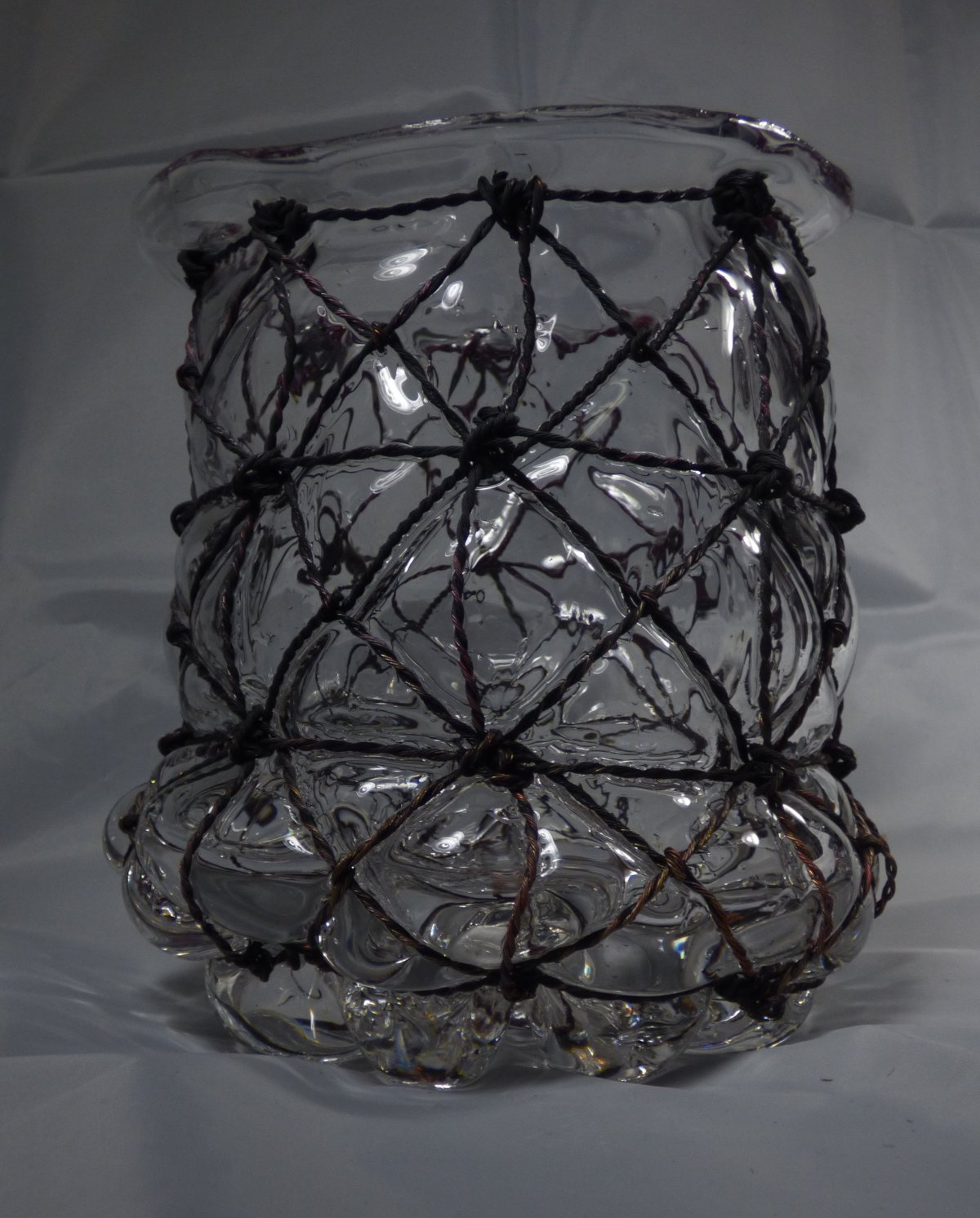 Glassblower.info - Tony Patti - Cage Glass Piece - Lots of Triangles!