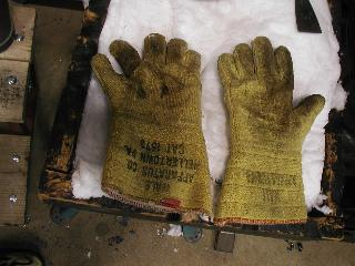 Glassblower.Info Glassblowing Gloves