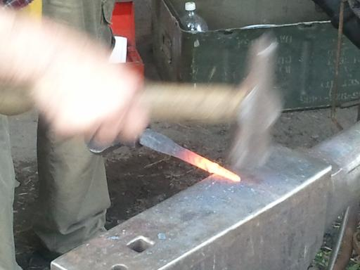glassblower.info David Woodward Blacksmith - railroad spike (rail spike) glassblowing raking tool - photo 06